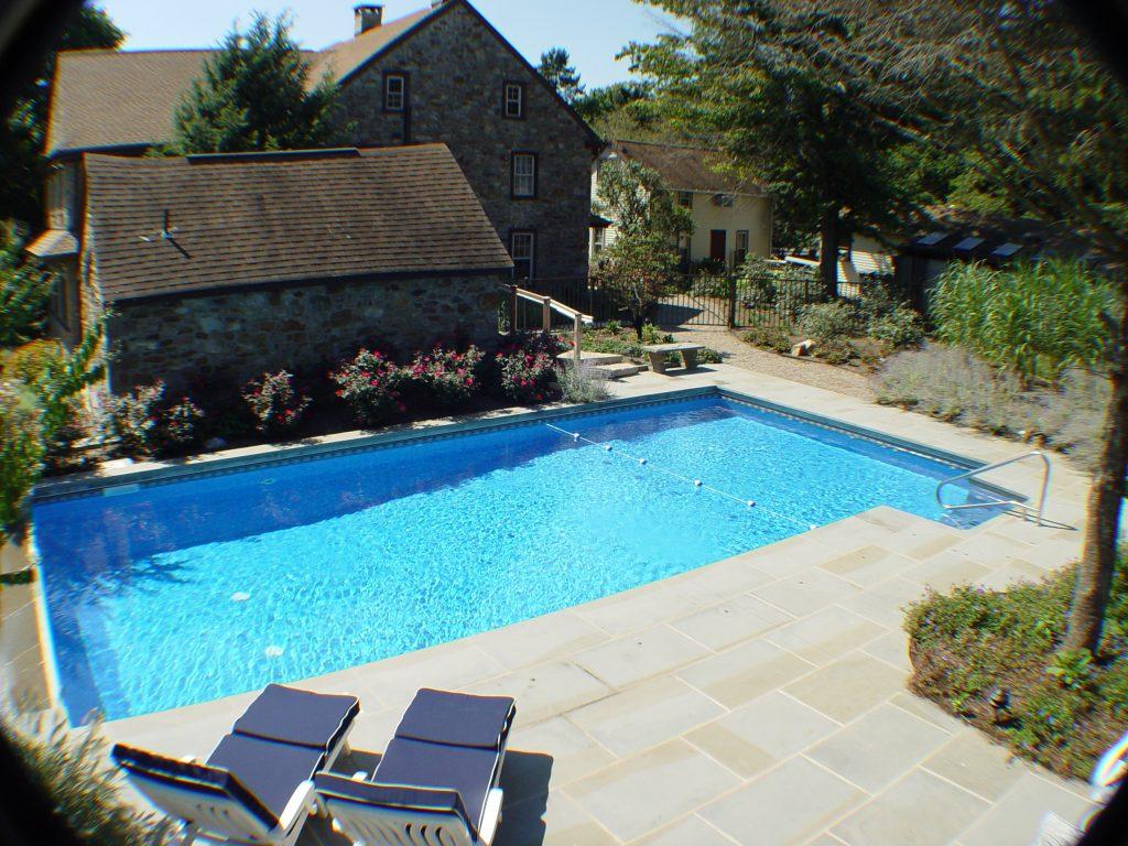 Vinyl liner swimming pools matrix pool system for Vinyl swimming pool
