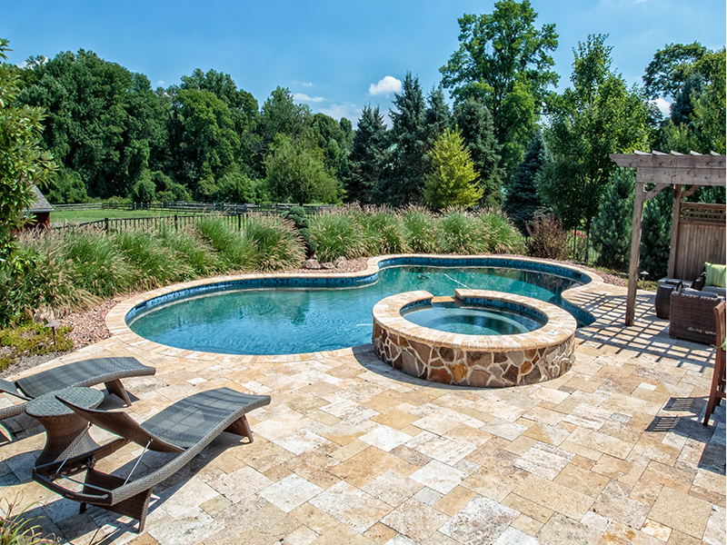 checkerboard-deck-with-stone-spa