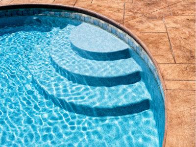 Steps into vinyl pool