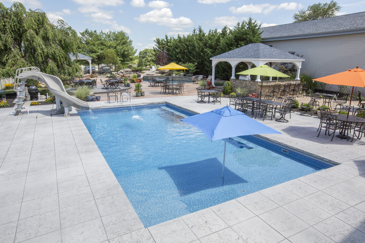 Pool showroom design center bally pa fronheiser pools for Pool showrooms