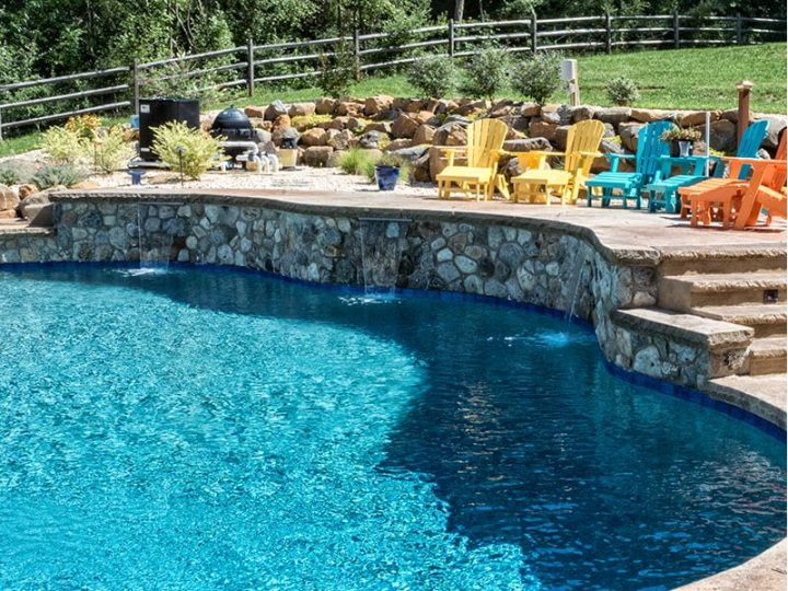 Backyard pool party ideas to celebrate Labor Day!